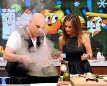 michael symon and jennifer love hewitt on the chew
